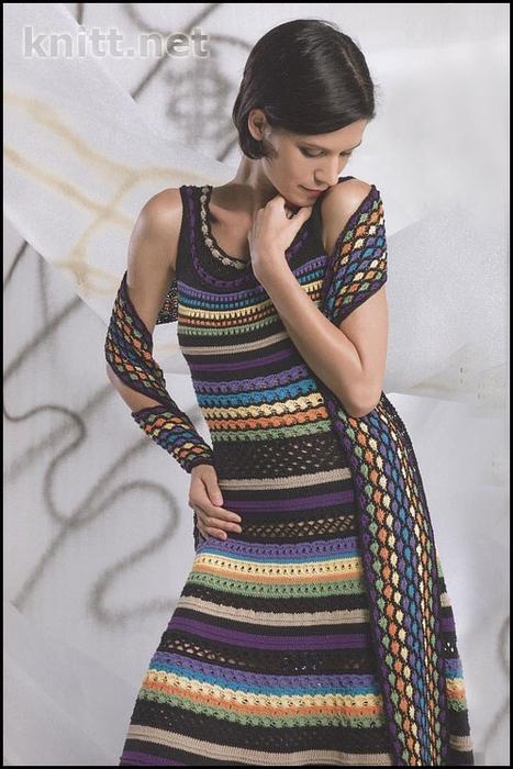 Полосатое платье спицами