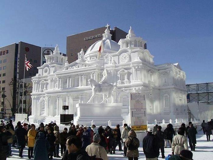 Фестиваль снега и льда в Саппоро, Япония (700x525, 340Kb)