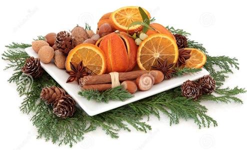 119148709_0_christmasfoodarrangementdriedorangefruitnutsspicewintergreeneryoverwhitebackground33420860Р° (494x299, 159Kb)
