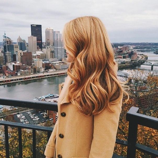 женщина-очень красиво на балконе (604x604, 106Kb)