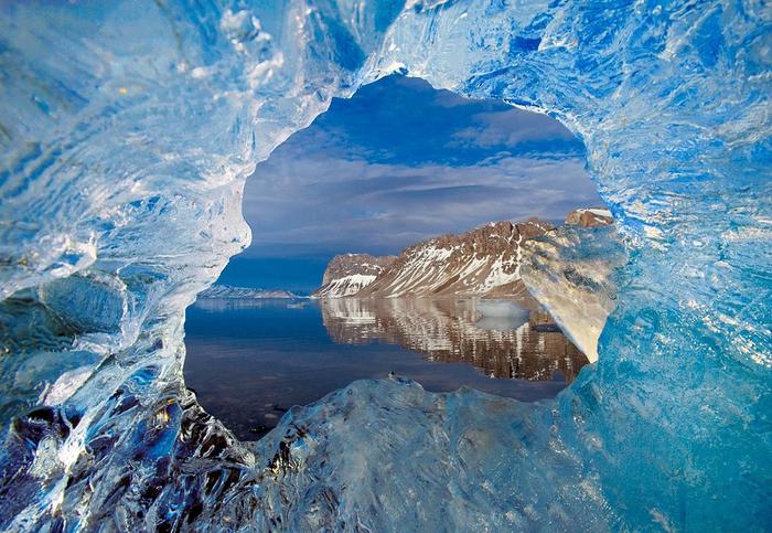 3. Вид из ледника (700x483, 493Kb)