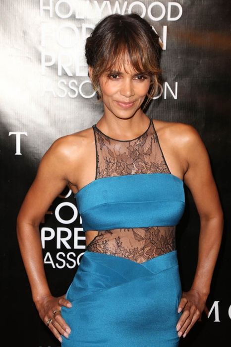 halle-berry-dress-14aug15-05 (466x700, 211Kb)