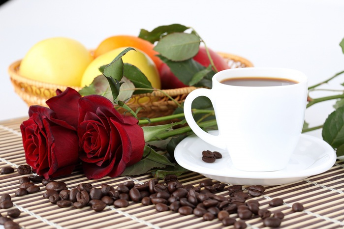 3779070_Stilllife_Roses_Coffee_436788_1_ (700x466, 94Kb)