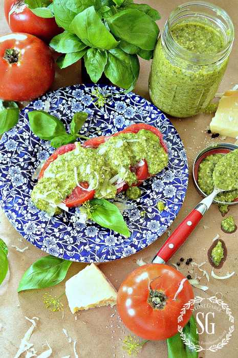 PERFECT-PESTO-The-taste-of-Summer-fresh-ingredients-stonegableblog.com_ (465x700, 576Kb)