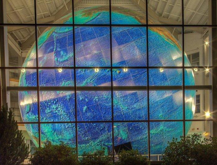 самый большой в мире глобус 5 (700x535, 457Kb)