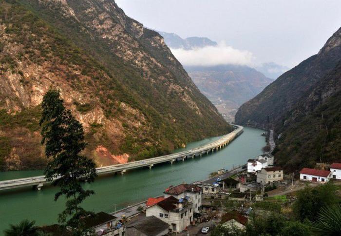 мост вдоль реки китай 2 (700x484, 371Kb)
