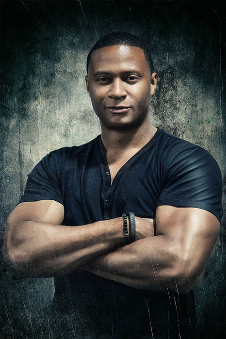john-diggle-suiting-up-in-arrow-season-4-john-diggle-as-arrow-jpeg-219373 (466x700, 331Kb)