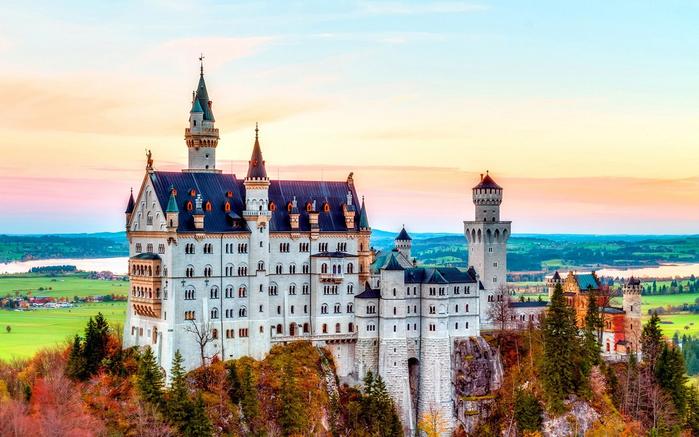 4. Сказочный замок в Германии (700x437, 380Kb)