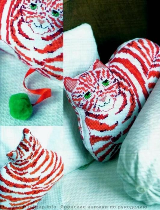 схема вышивки кошка подушка (532x700, 297Kb)