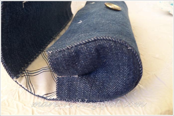 Из старых джинсов и пластиковой