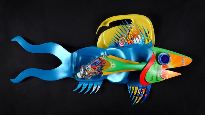 Рыбы - поделки из пластиковых бутылок, фото / Детское творчество - аппликации, поделки из цветной бумаги, картона, теста, пласти