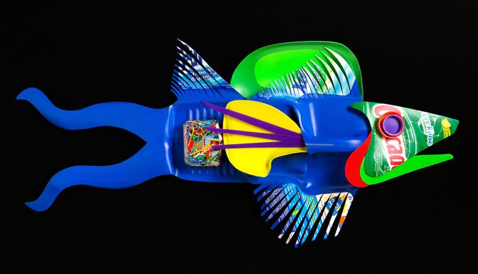David Edgar пластиковые рыбы 4 (700x401, 214Kb)