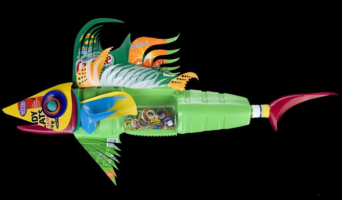David Edgar пластиковые рыбы 8 (700x409, 132Kb)