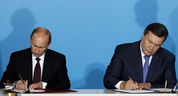 В июле 2012 года президент приехал на четыре часа позже на встречу с украинским президентом виктором януковичем в