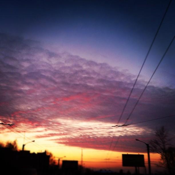 846 Вчера весь день кудрявые облака на небе (612x612, 62Kb)