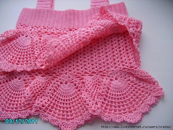 Очень красивый, нежный. для девочки.  Есть схемы вязания. топ.