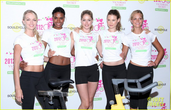 victorias-secret-angels-soulcycle-for-cancer-research-05 (700x453, 89Kb)