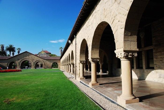 Стэнфордский университет - самый красивый университет в США 13 (700x470, 91Kb)