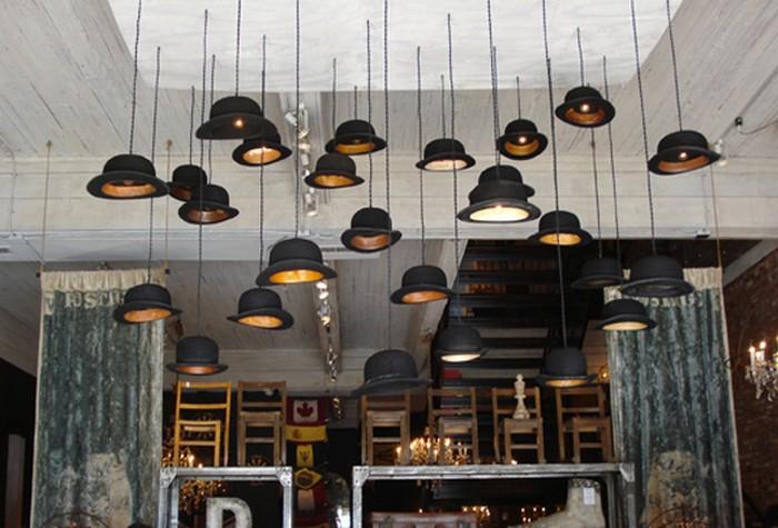 Настенный декор интерьера с помощью шляп 14 (700x475, 88Kb)