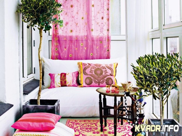1285701224_very-femenine-apartment-interior-with-dominant-pink-color-3 (620x465, 88Kb)