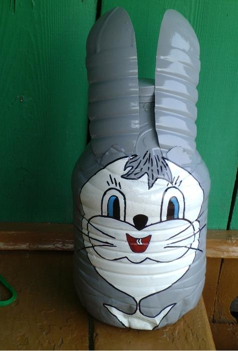 Как из пластиковых бутылок сделать зайца