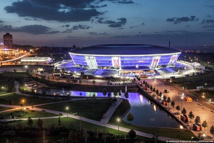 Донбас Арена. Донецьк (700x466, 78Kb)