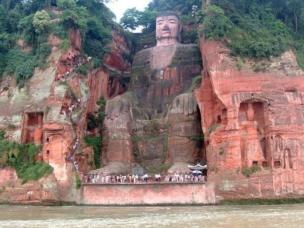статуя будды (600x450, 96Kb)