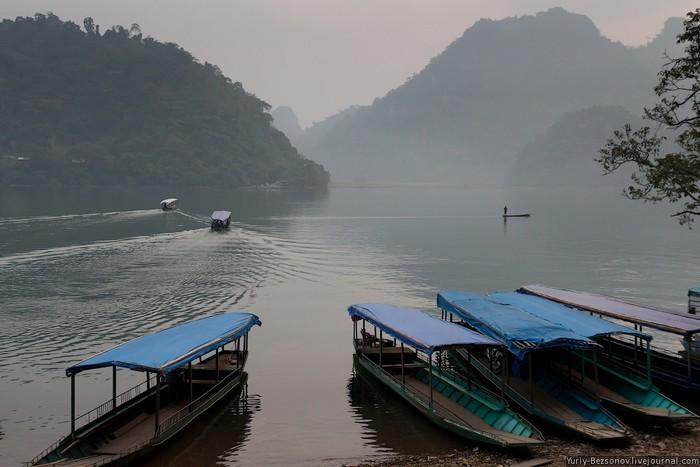 Достопримечательности Вьетнама - озера Ба Бе 2 (700x467, 75Kb)