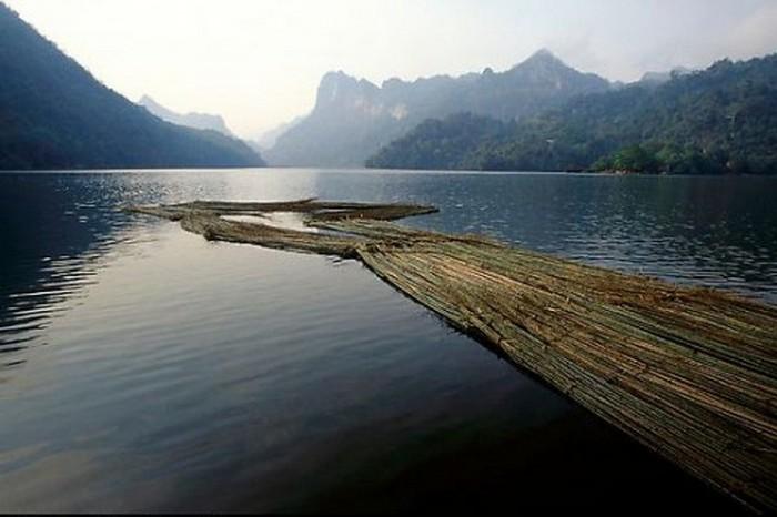 Достопримечательности Вьетнама - озера Ба Бе 4 (700x466, 63Kb)