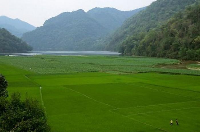 Достопримечательности Вьетнама - озера Ба Бе 10 (700x461, 54Kb)