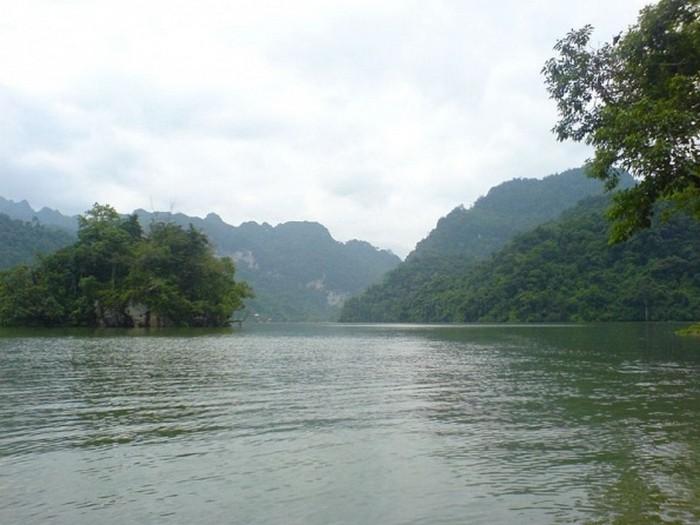 Достопримечательности Вьетнама - озера Ба Бе 14 (700x525, 79Kb)