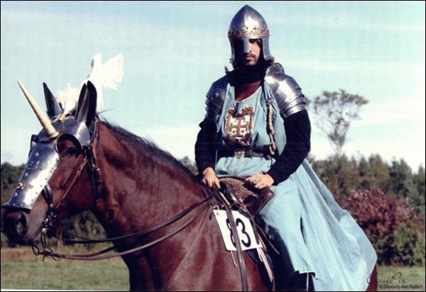 Канадский рыцарь 02 (600x412, 42Kb)