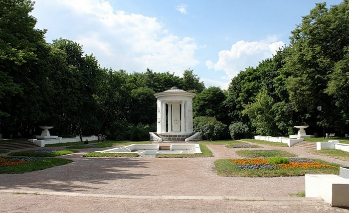 Усадьба Трубецких или Нескучное 3 (700x428, 103Kb)