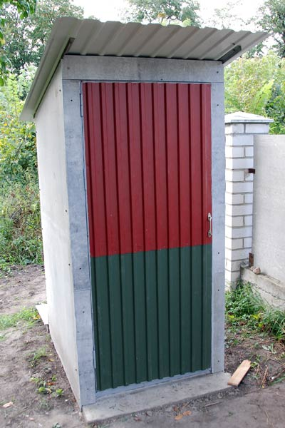 tualet-na-dache-svoimi-rukami-17 (400x600, 46Kb)