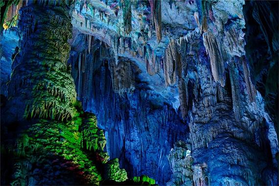 карстовая пещера9 (570x379, 136Kb)