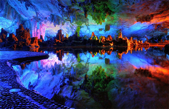 карстовая пещера11 (570x370, 123Kb)