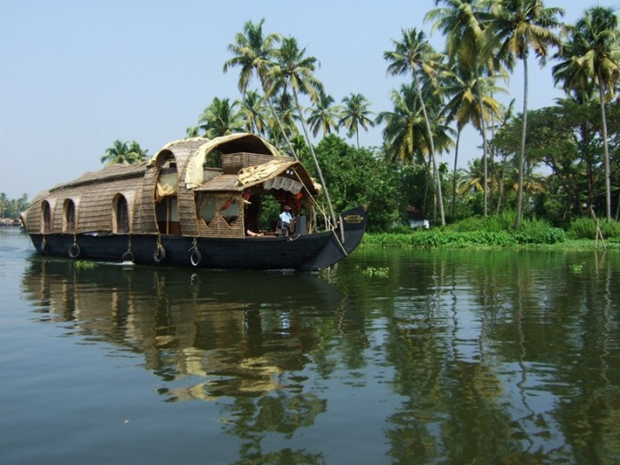 3925073_kerelabackwaters3 (700x525, 114Kb)