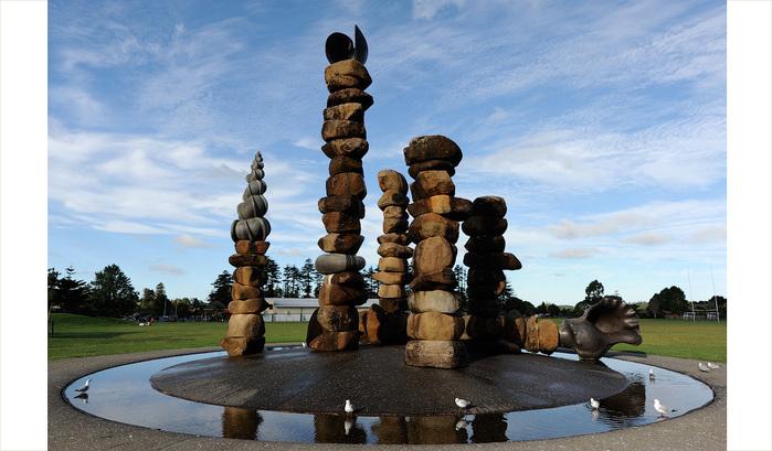 neobychnye-skulptury-iz-kamney-5 (700x409, 125Kb)