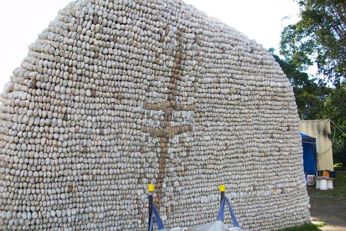 neobychnye-skulptury-iz-kamney-11 (700x466, 205Kb)