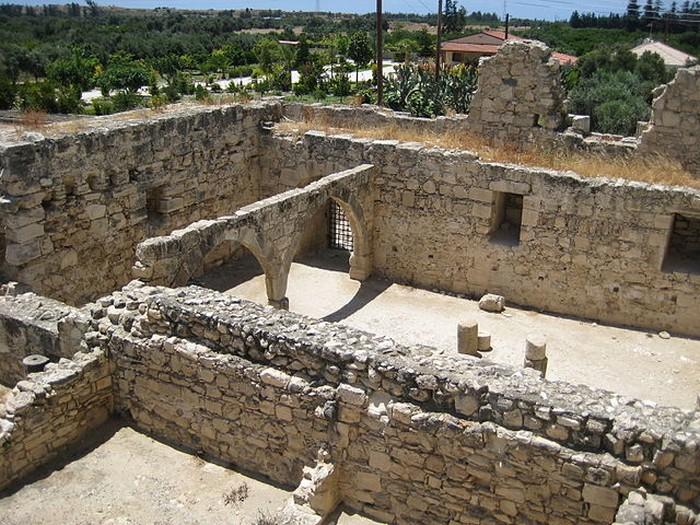Замок Колосси - фото-путешествие на Кипр 6 (700x525, 158Kb)
