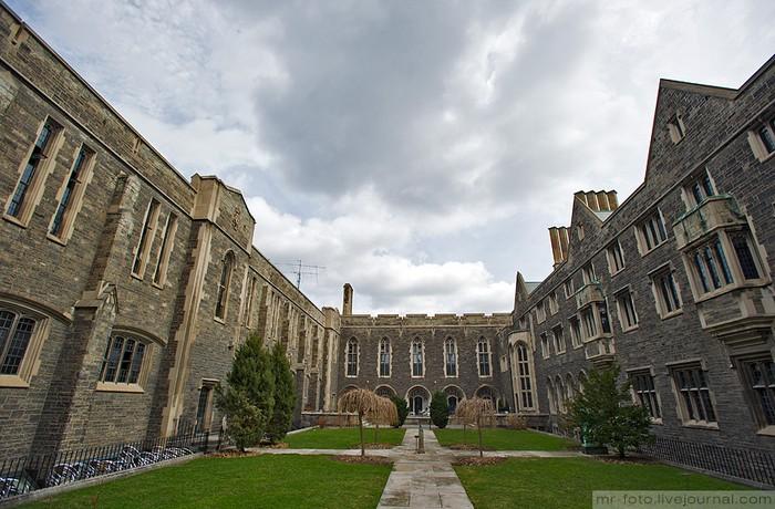 Фото-путешествие в Университет Торонто 30 (700x460, 111Kb)