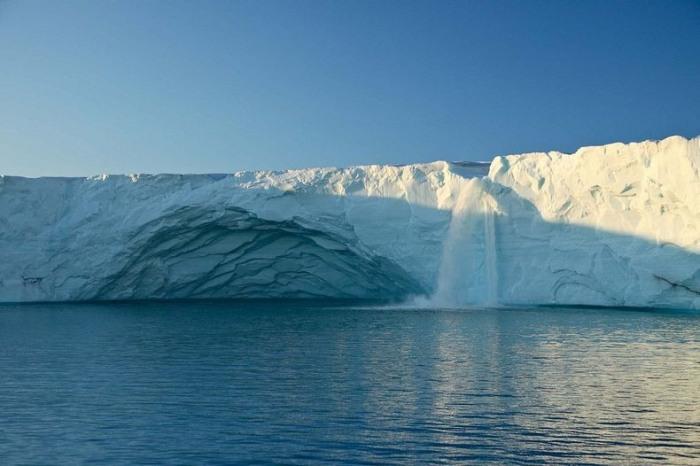 3925073_glacierwaterfalls2 (700x466, 71Kb)