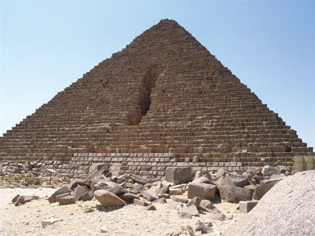 пирамида Микерина (640x480, 72Kb)