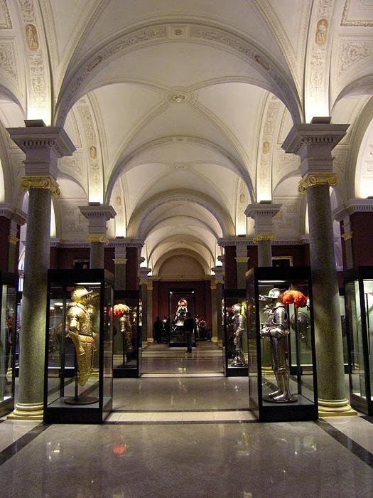 Их высочайший художественный уровень и особая историко-культурная ценность принесла Оружейной палате.