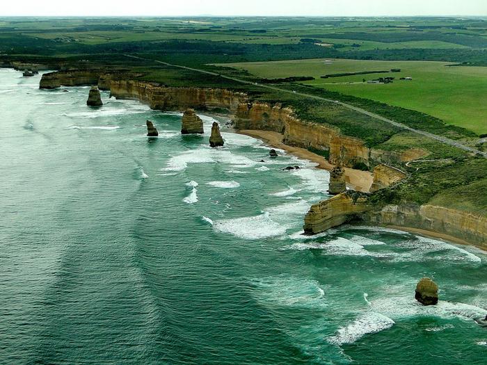 Лучшие достопримечательности Австралии - Великая океанская дорога и 12 апостолов Виктории 1 (700x525, 558Kb)