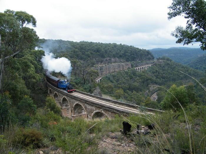 Лучшие достопримечательности Австралии - Национальный парк Голубые горы 2 (700x525, 123Kb)