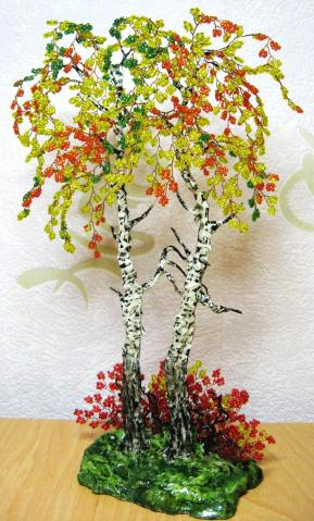 Альбом пользователя Ма-ша. дерево объёмное. красный. зелёный.  0. 273. бусина стеклянная. низание.