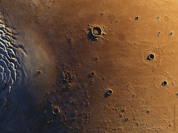 Фотографии Марса от Киса Венебоса 21 (700x525, 129Kb)