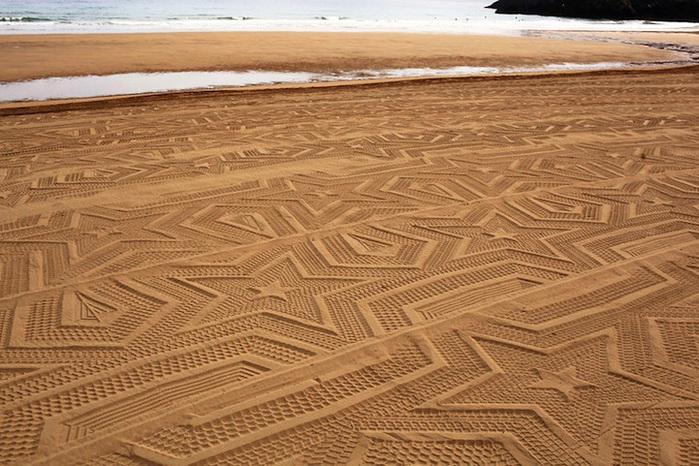 рисунки на песке фото 2 (700x466, 182Kb)