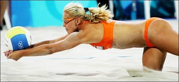 пляжный волейбол 37 (600x276, 25Kb)